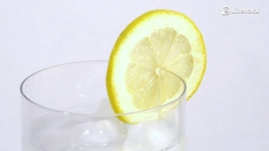 benefits-of-lemon-water-380x213